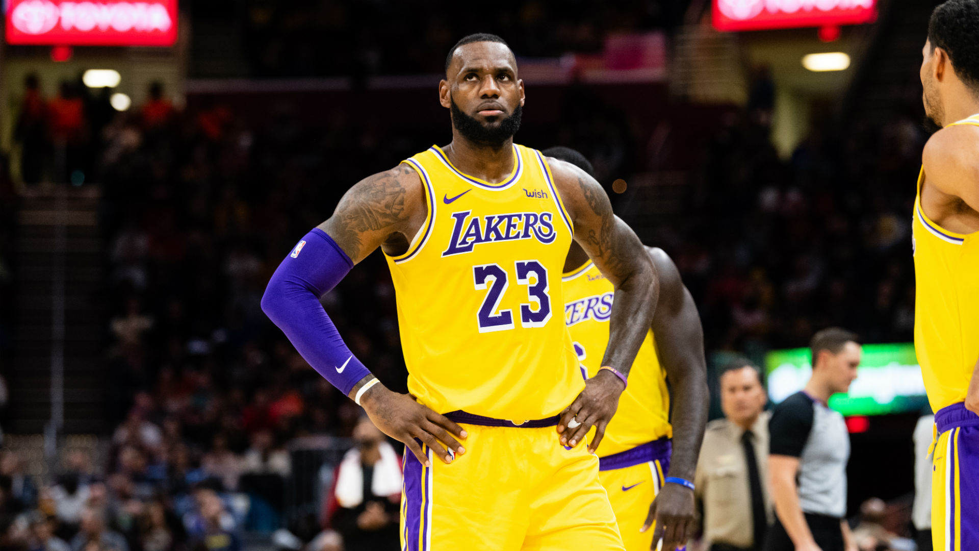 LeBron's Lakers fall to Hawks