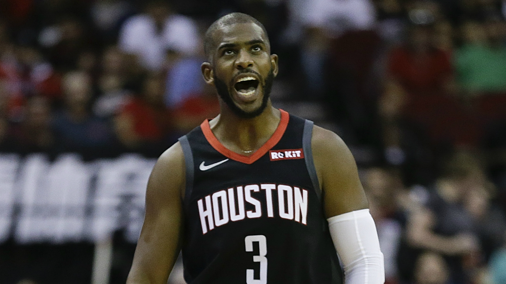 We take a look at the week in the United States, with Chris Paul set to stay with the Oklahoma City Thunder.