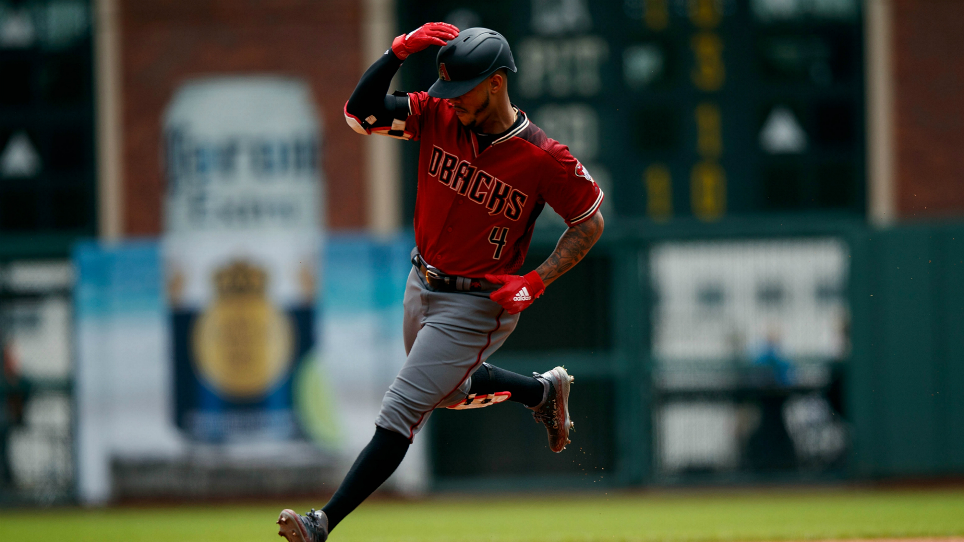 D-backs beat Reds for 4th straight