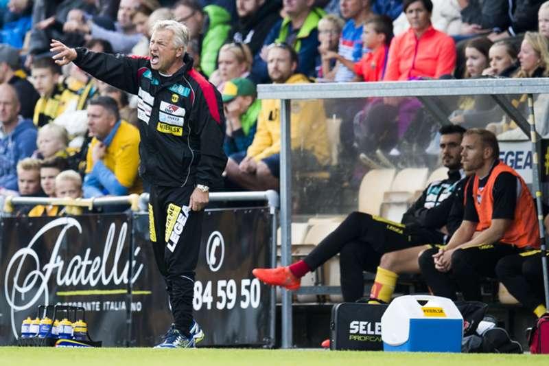 Arne Erlandsen mot Sogndal