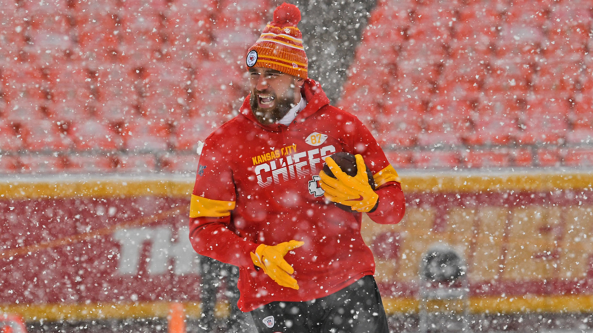 Despite having to deal with both the Denver Broncos and heavy snow, Travis Kelce was able to set an NFL record on Sunday.