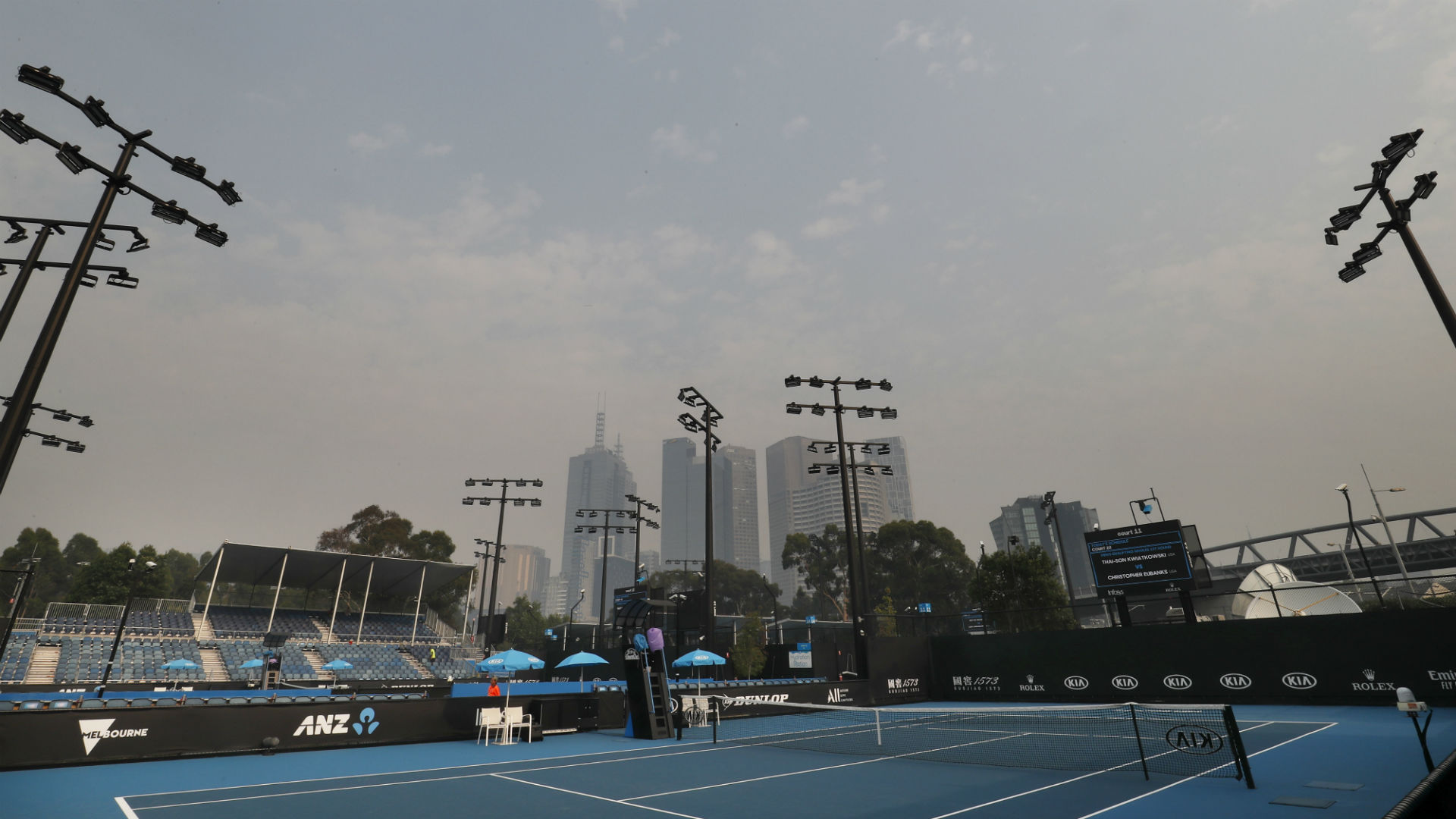 Improvements in the air quality in Melbourne were forecast on Wednesday, but Australian Open organisers delayed the start of play.