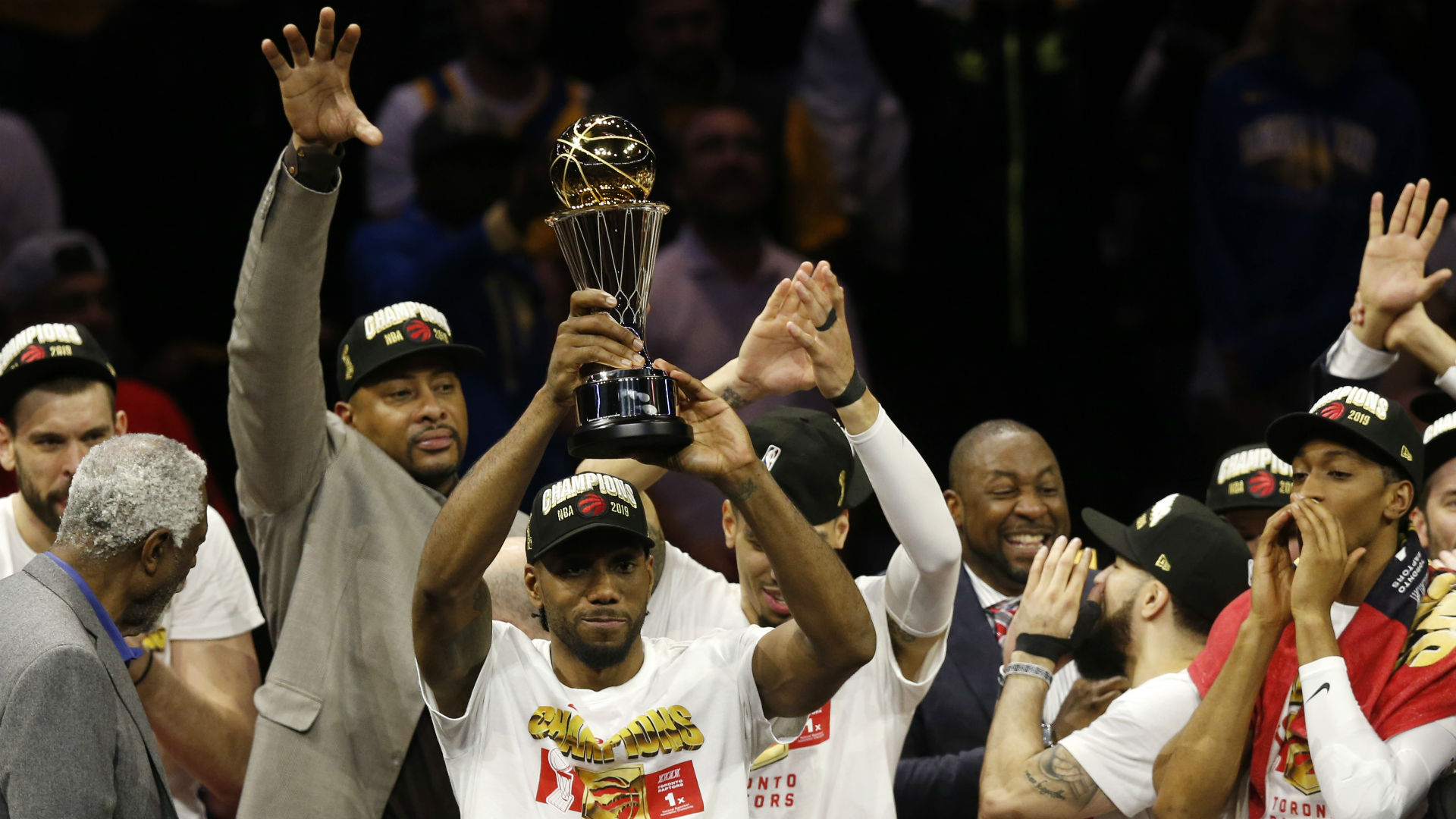 The Toronto Raptors will give Kawhi Leonard his championship ring on Wednesday but the Los Angeles Clipper is expecting a mixed reception.