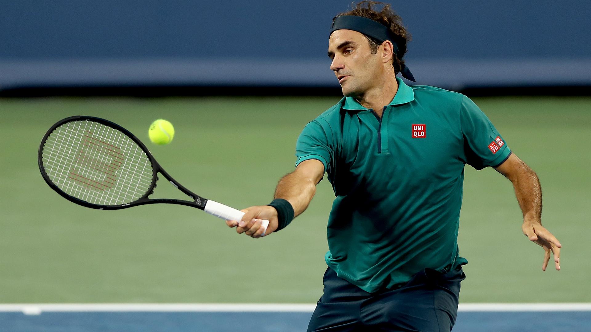 Roger Federer barely raised a sweat as he accounted for Juan Ignacio Londero 6-3 6-4 in Cincinnati on Tuesday.