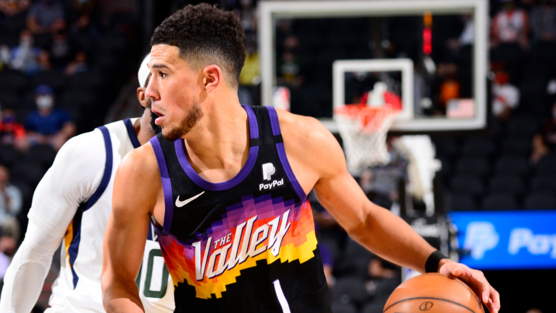 The Phoenix Suns won an entertaining battle between the two best teams in the NBA, while Kevin Durant returned midweek.