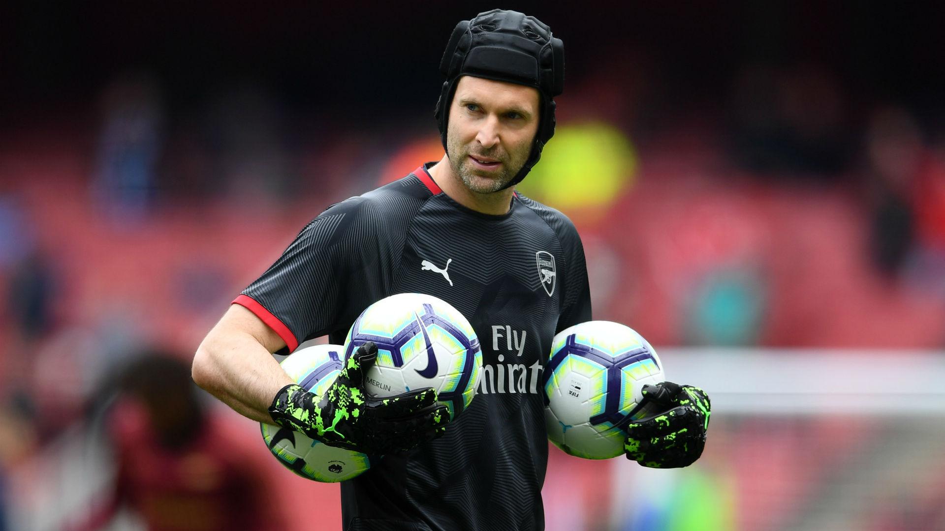 Cech denies Chelsea return reports
