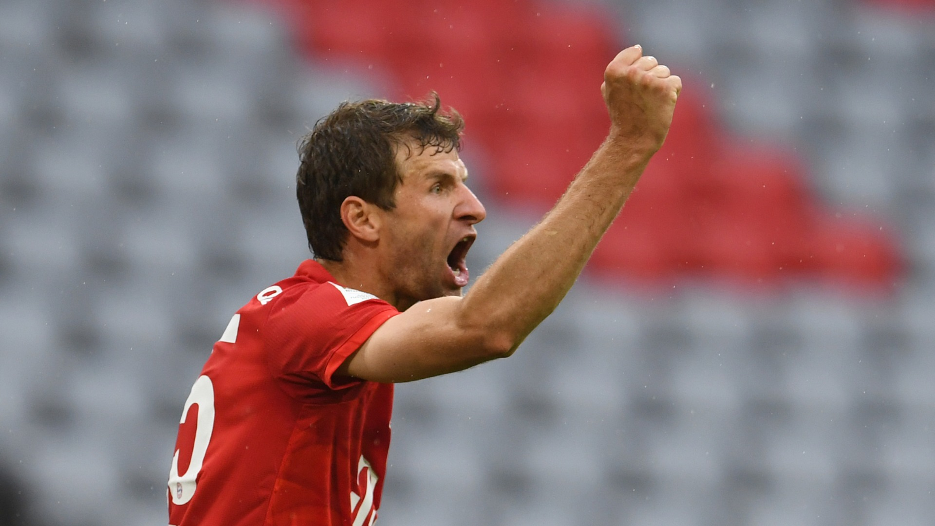 Bayern Munich sit four points clear of Borussia Dortmund again after an entertaining 5-2 win over Eintracht Frankfurt.