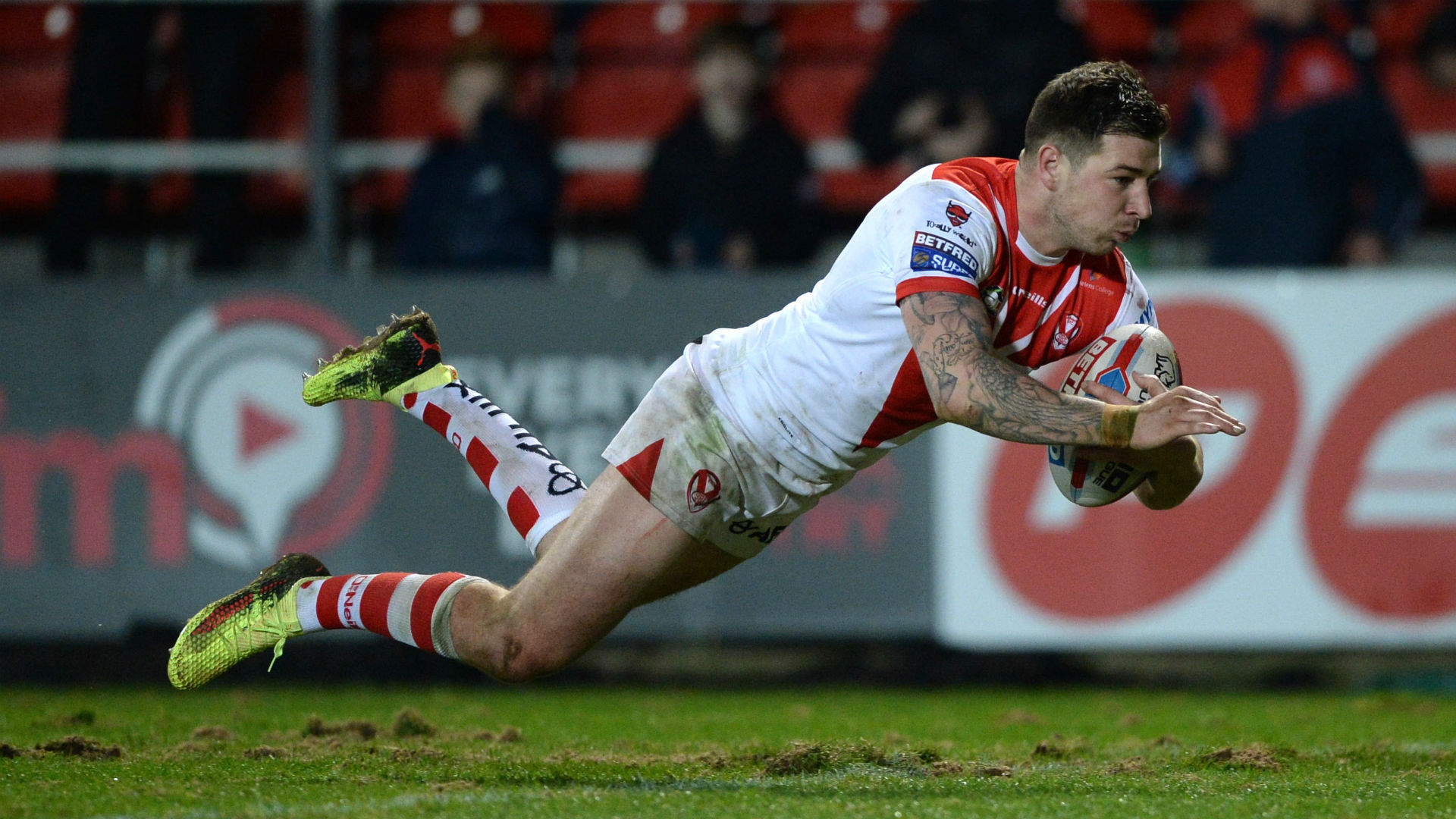 St Helens rolled on in their impressive start to the Super League season, with Mark Percival starring against Warrington Wolves.