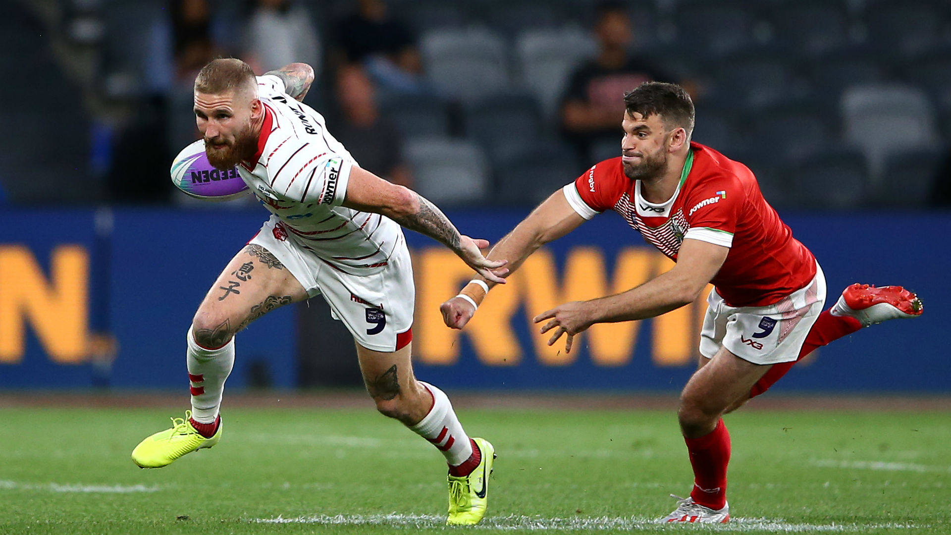 Sam Tomkins was in scintillating form as England began their World Cup Nines campaign with a routine 25-4 triumph over Wales in Sydney.