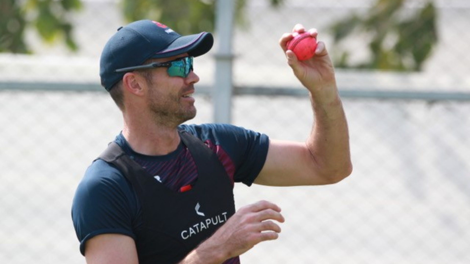 India will be wary of facing a returning James Anderson, but Ishant Sharma will also be hoping to do damage with the pink ball.