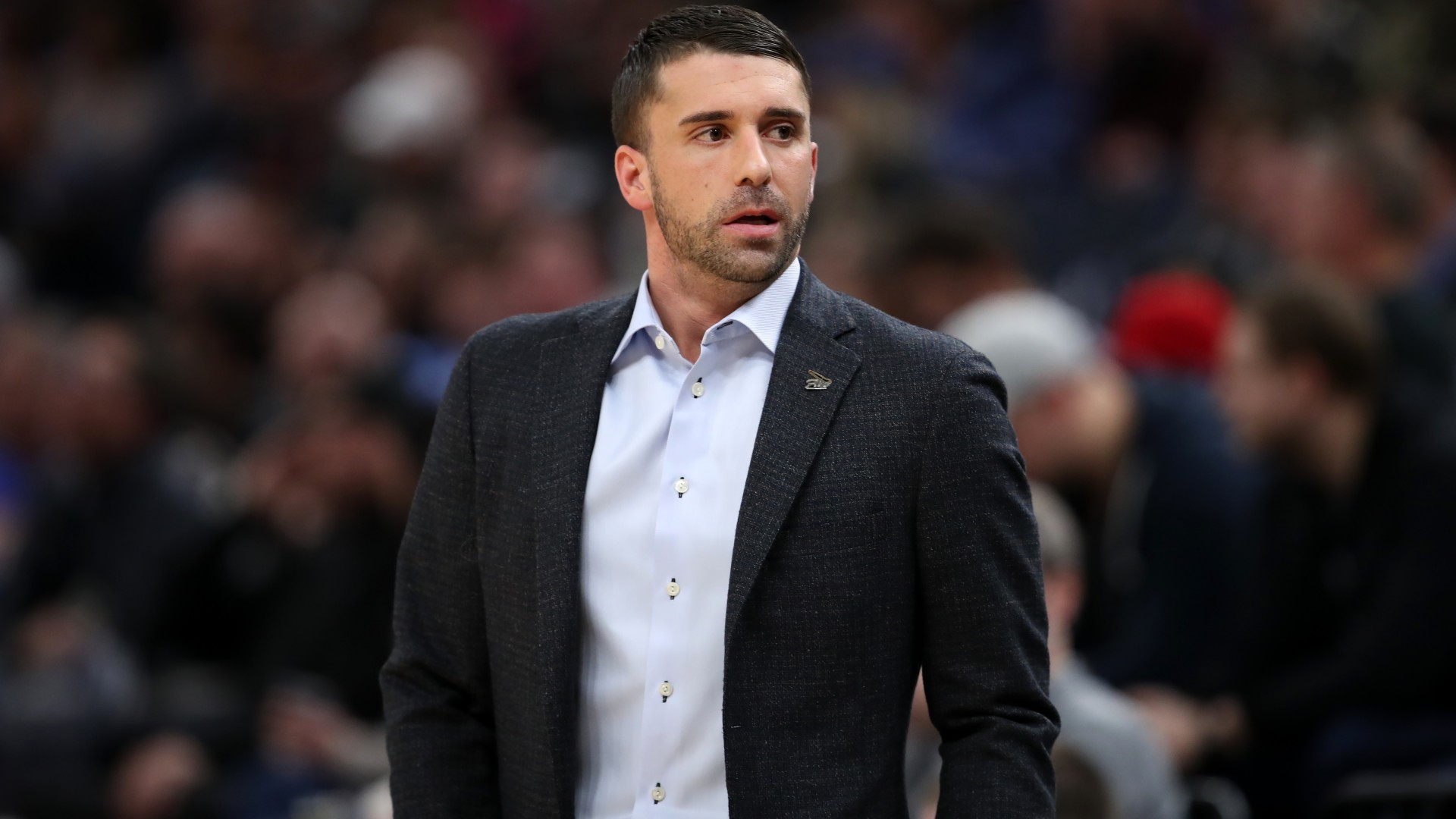 The Minnesota Timberwolves dismissed Ryan Saunders following Sunday's 103-99 loss to the New York Knicks.