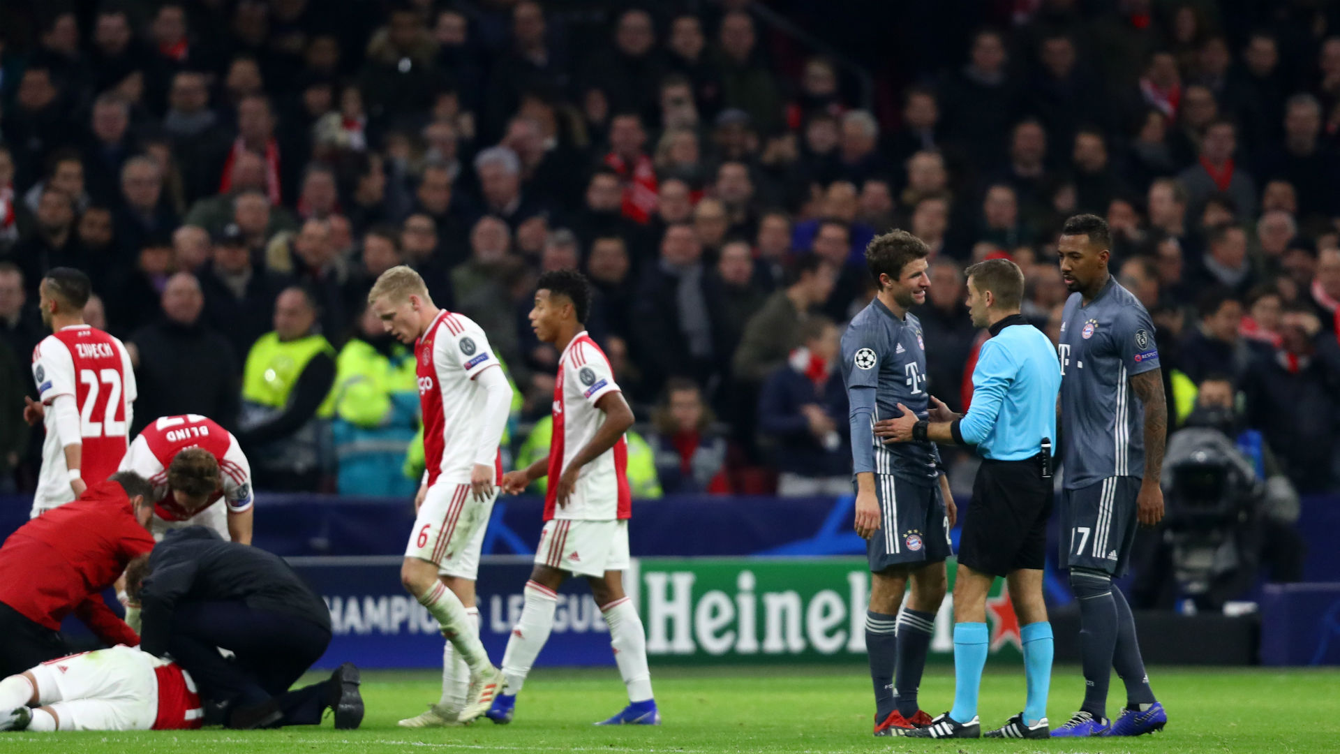 Bayern Munich's Thomas Muller was sent off on Wednesday for a high challenge on Nicolas Tagliafico, whom he has apologised to.