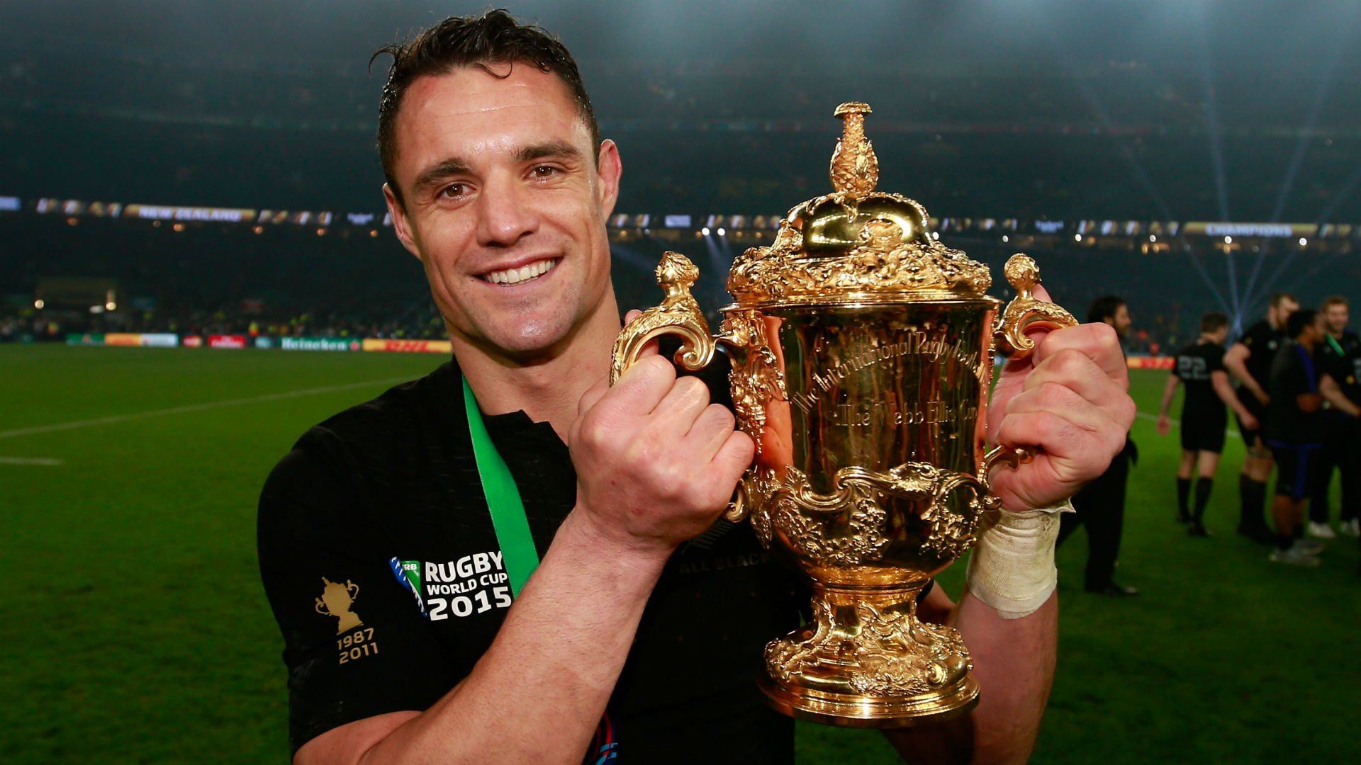 There was a wave of tributes to legendary fly-half Dan Carter after the All Blacks great announced his retirement on Saturday.