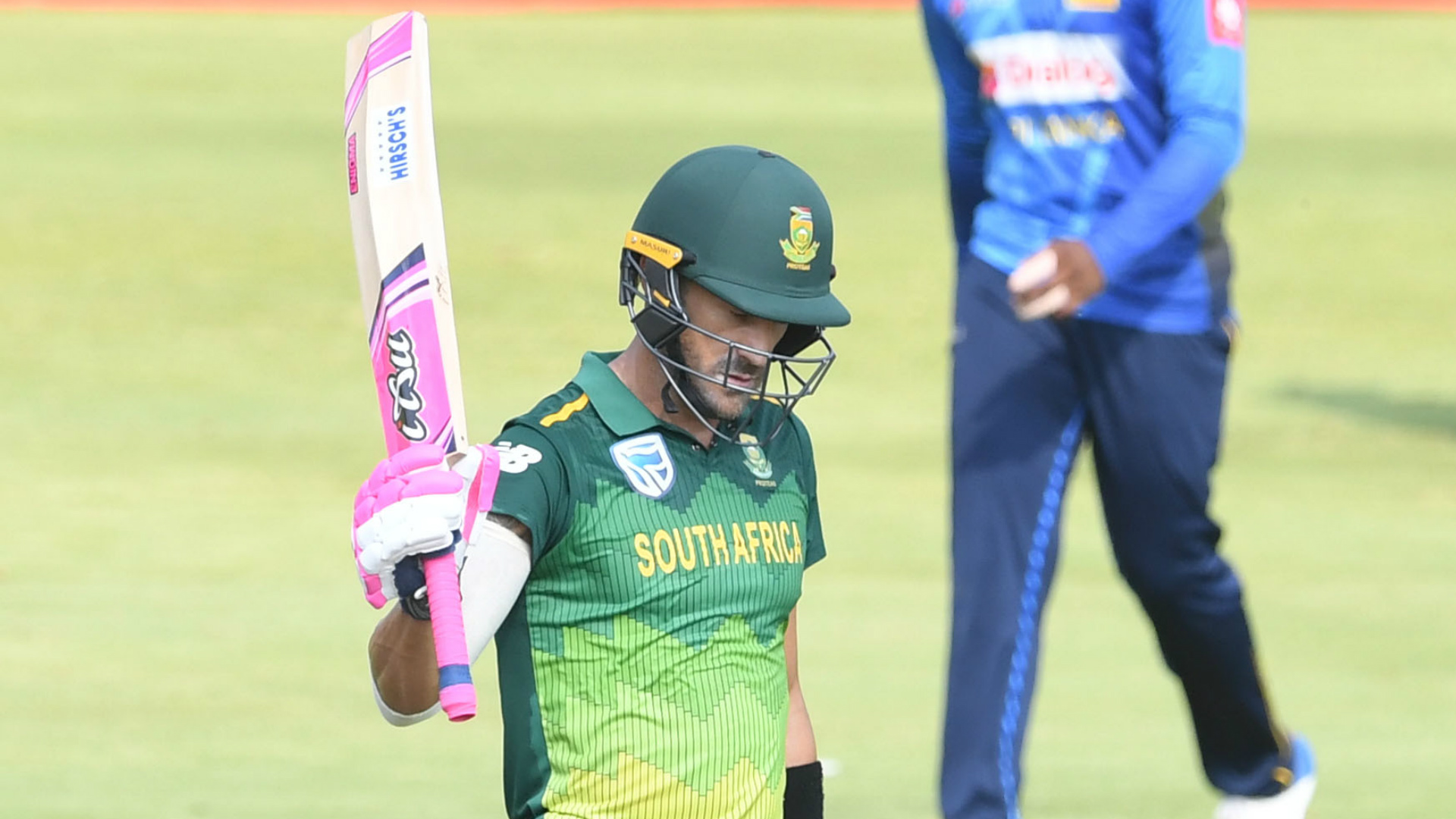 Du Plessis returns to squad