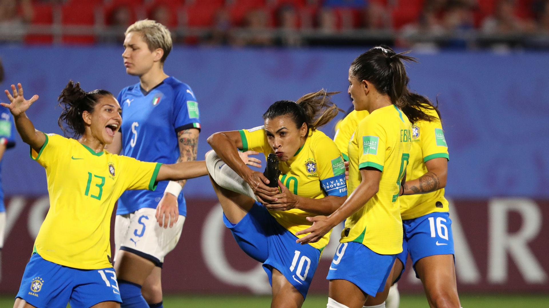 Marta sets new World Cup record