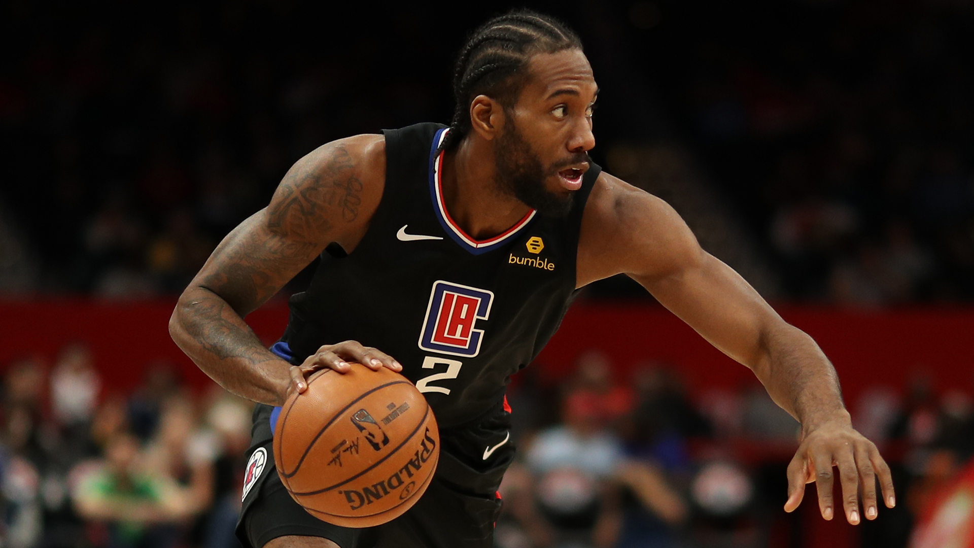 The Los Angeles Clippers beat the Raptors as Kawhi Leonard returned to Toronto in the NBA.