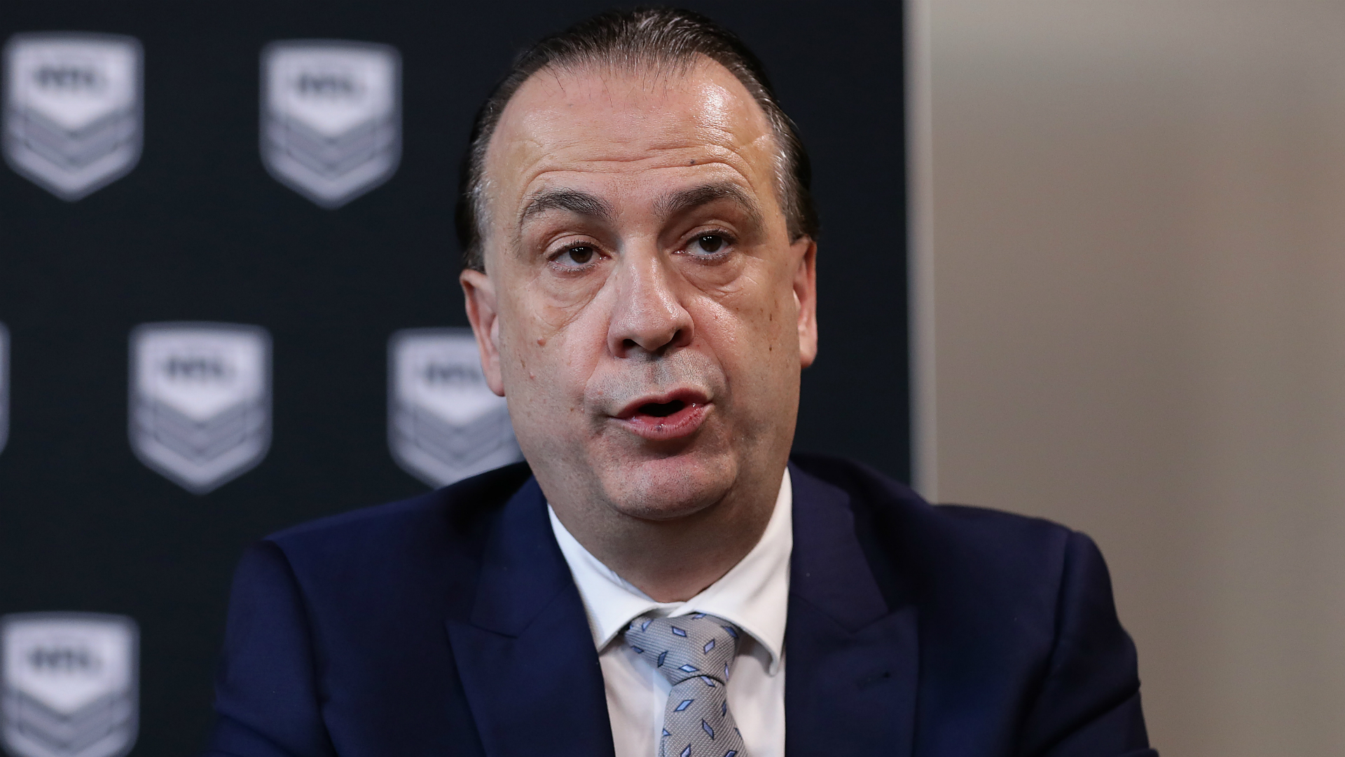 Peter V'landys claims Australia's premier rugby league competition should have continued amid the COVID-19 crisis.