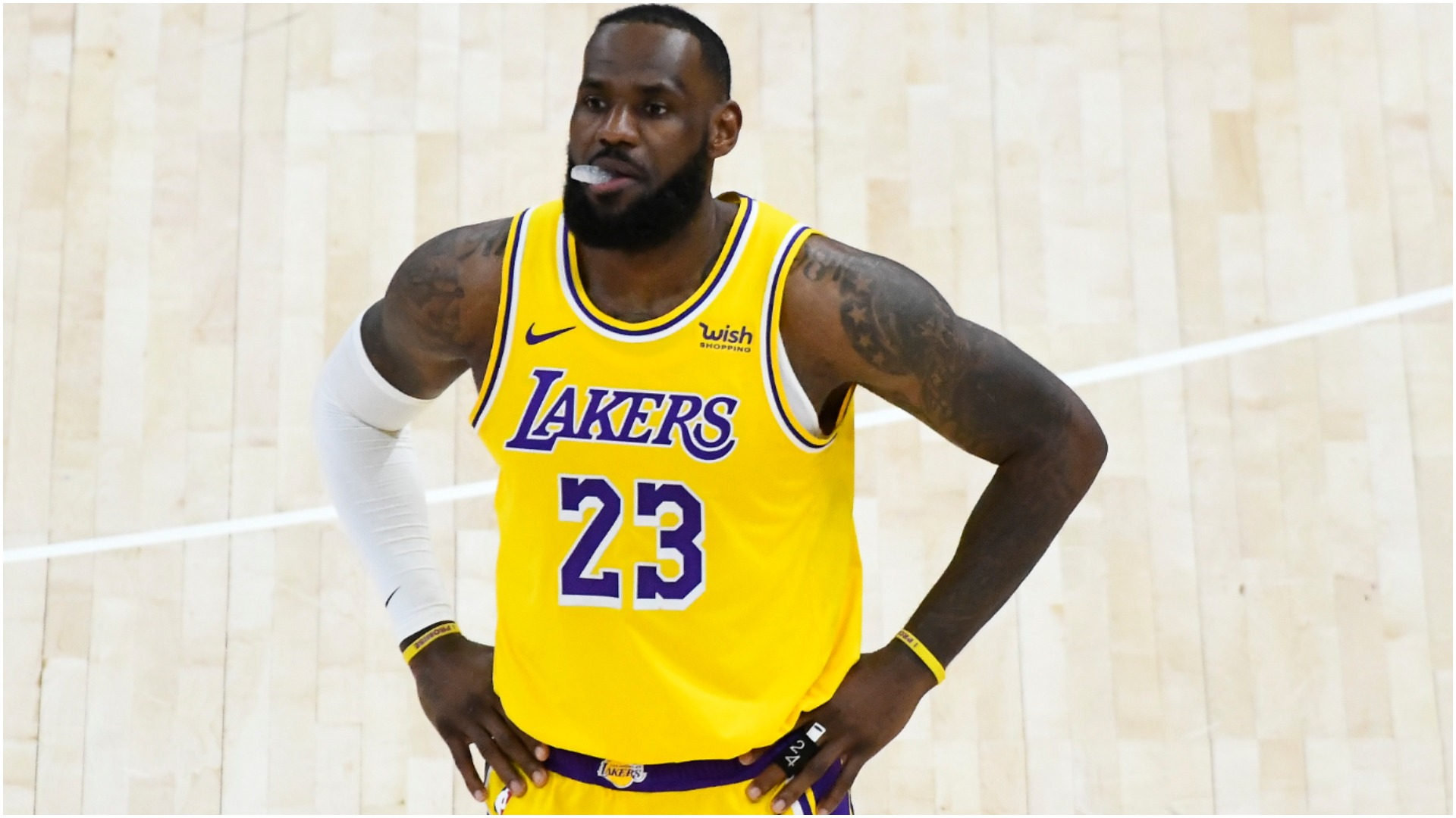 The in-form Utah Jazz made 22 shots from deep as they eased to victory against LeBron James and the Los Angeles Lakers.