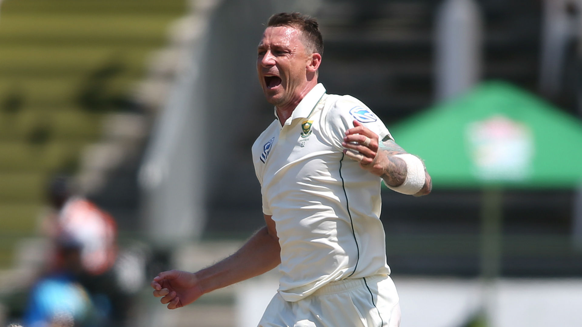Steyn superb as Sri Lanka falter