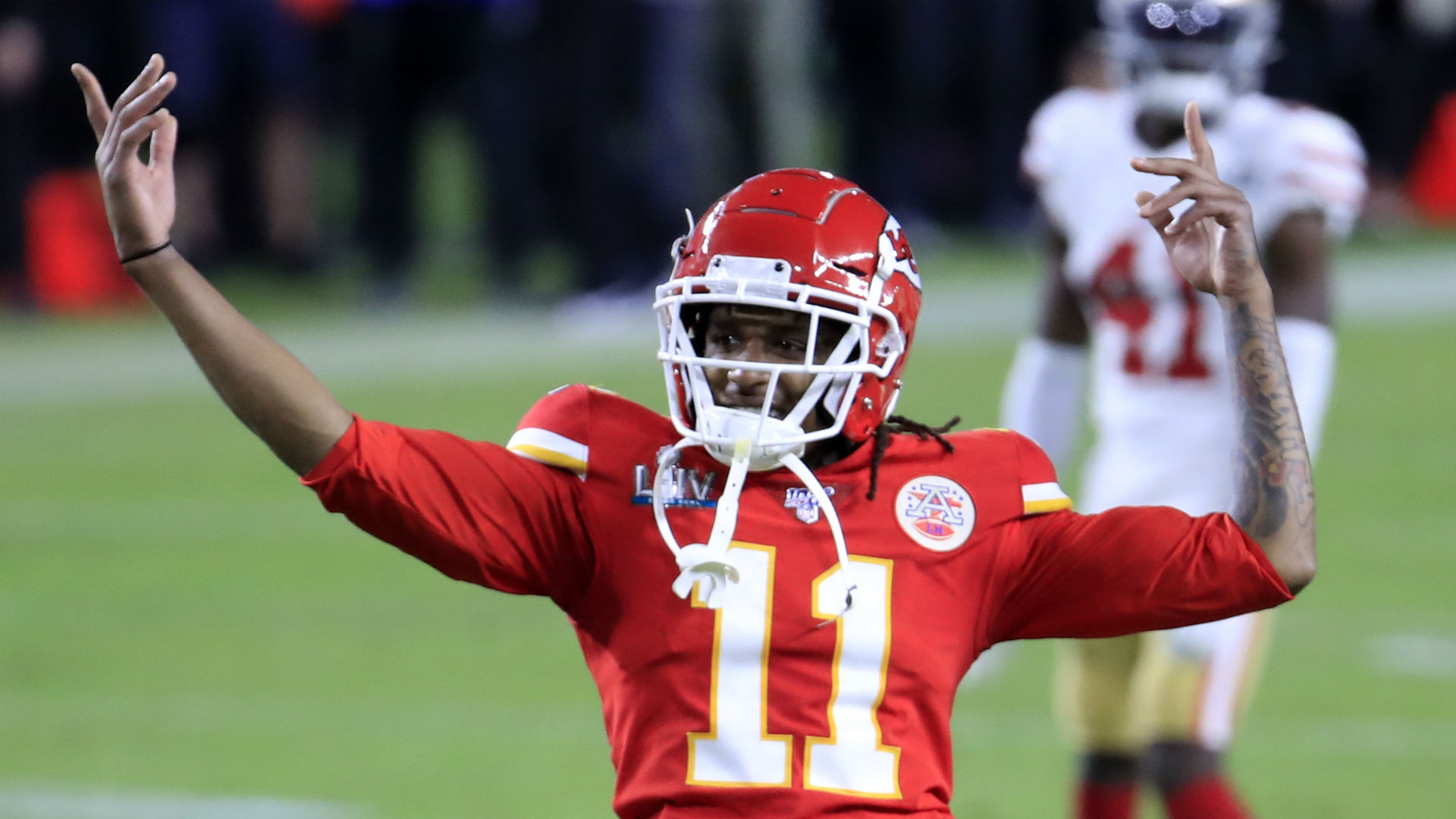 The Kansas City Chiefs have reportedly boosted their receiver ranks by re-signing Demarcus Robinson from free agency.