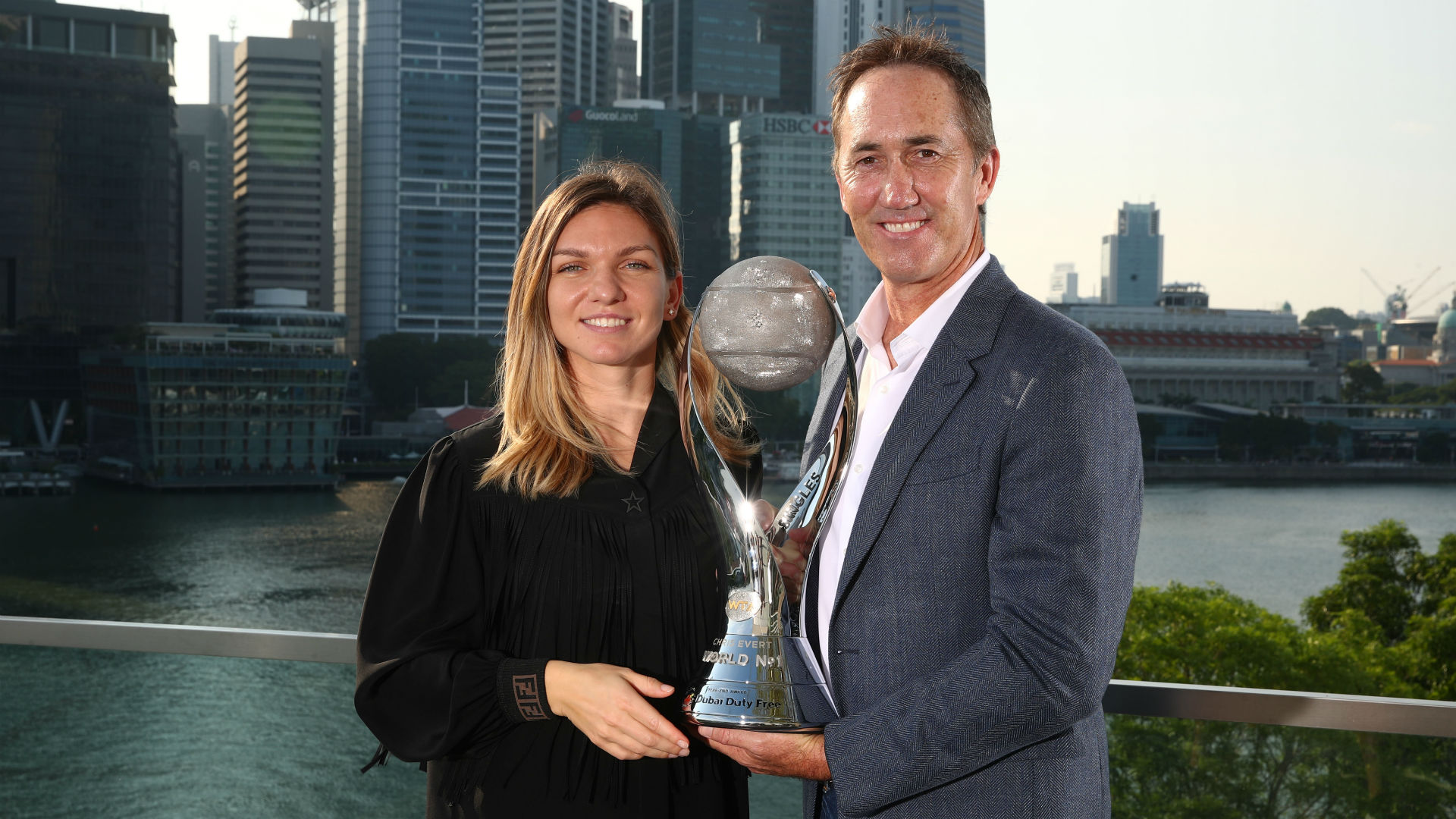 Simona Halep's former coach, Darren Cahill, says the Wimbledon champion is among 20 women who could win the US Open.