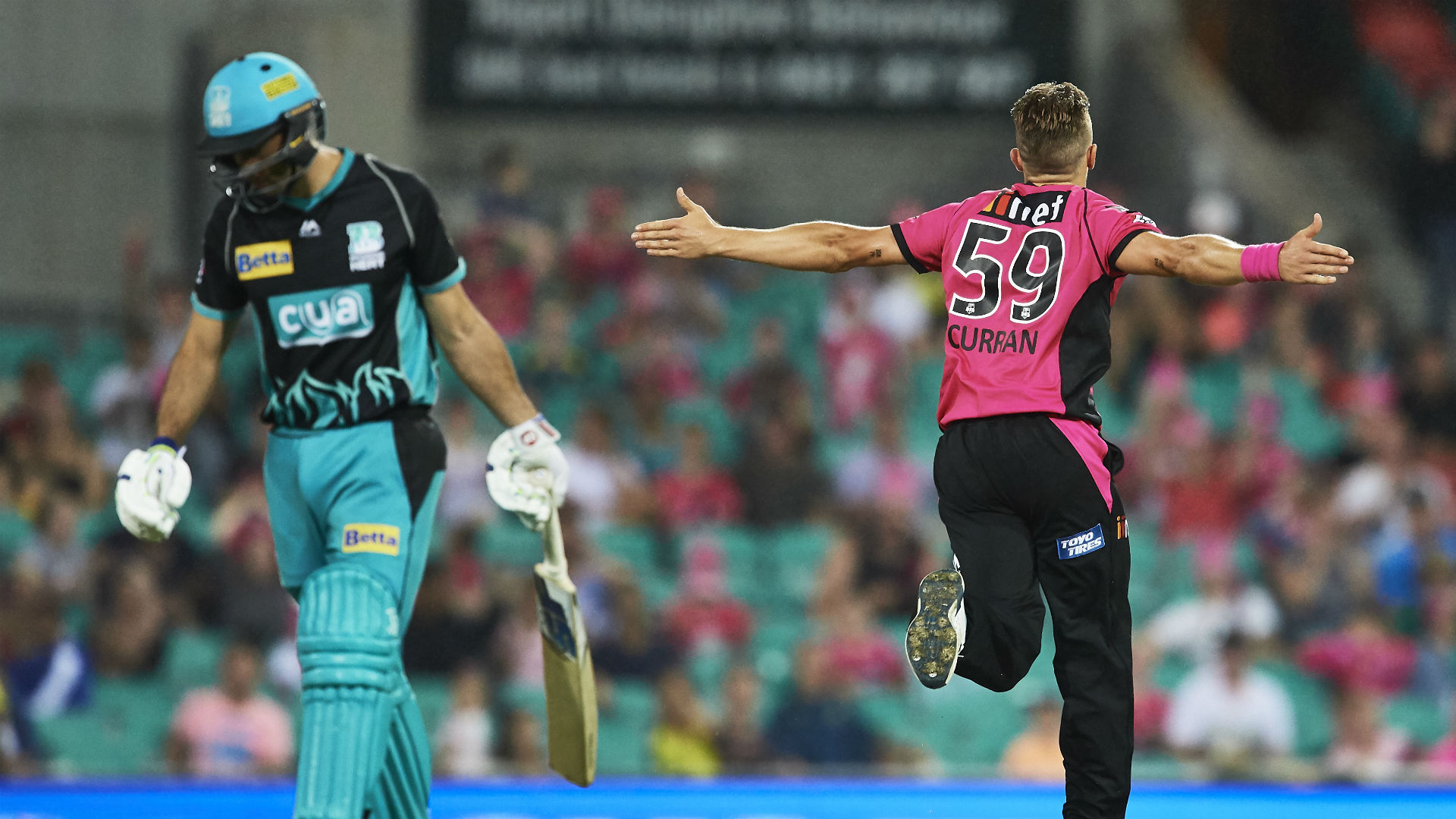Vince, Curran star in Sixers win