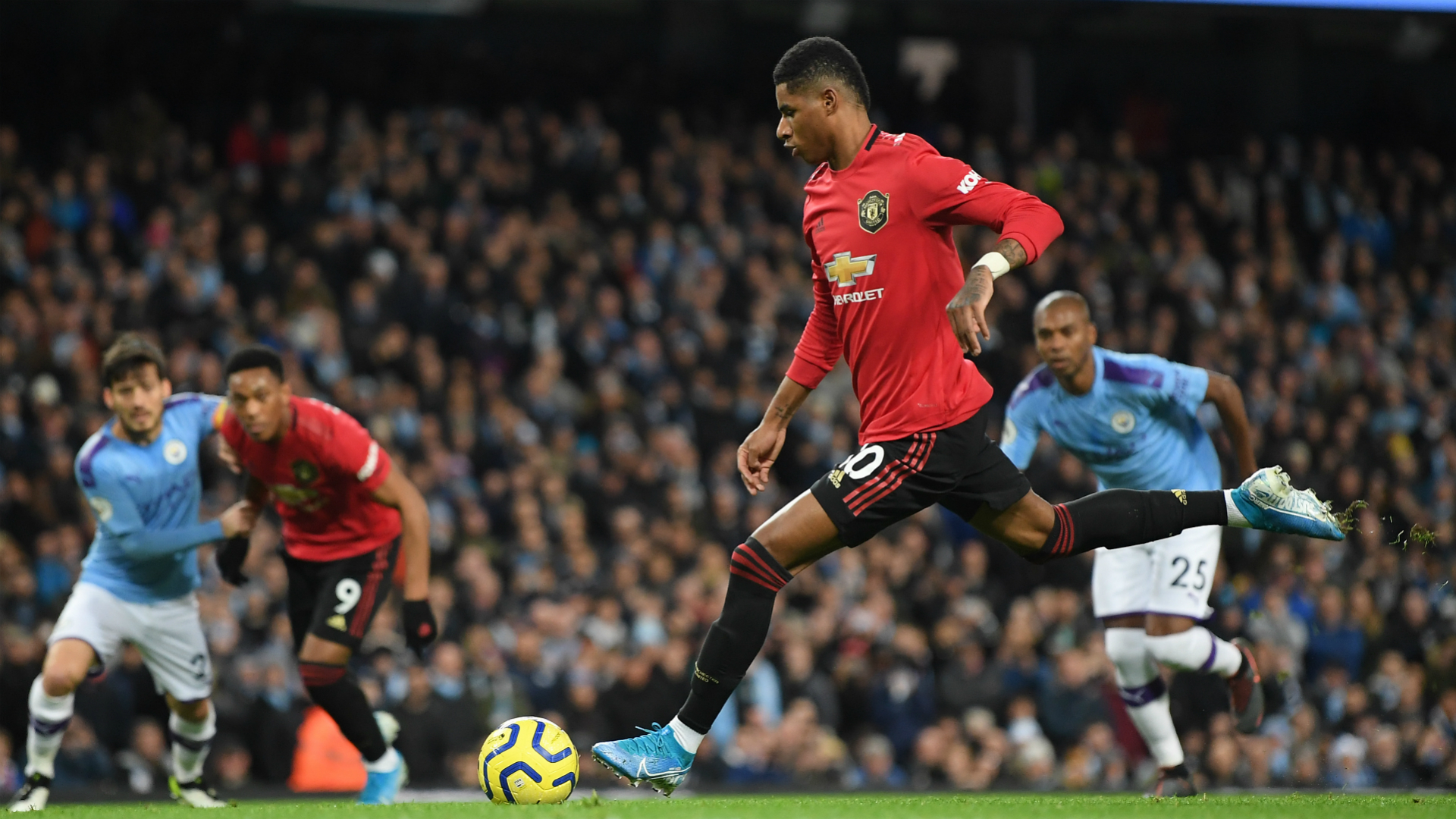 Marcus Rashford and Anthony Martial grabbed the first-half goals for Manchester United as the visitors secured a huge derby win over City.