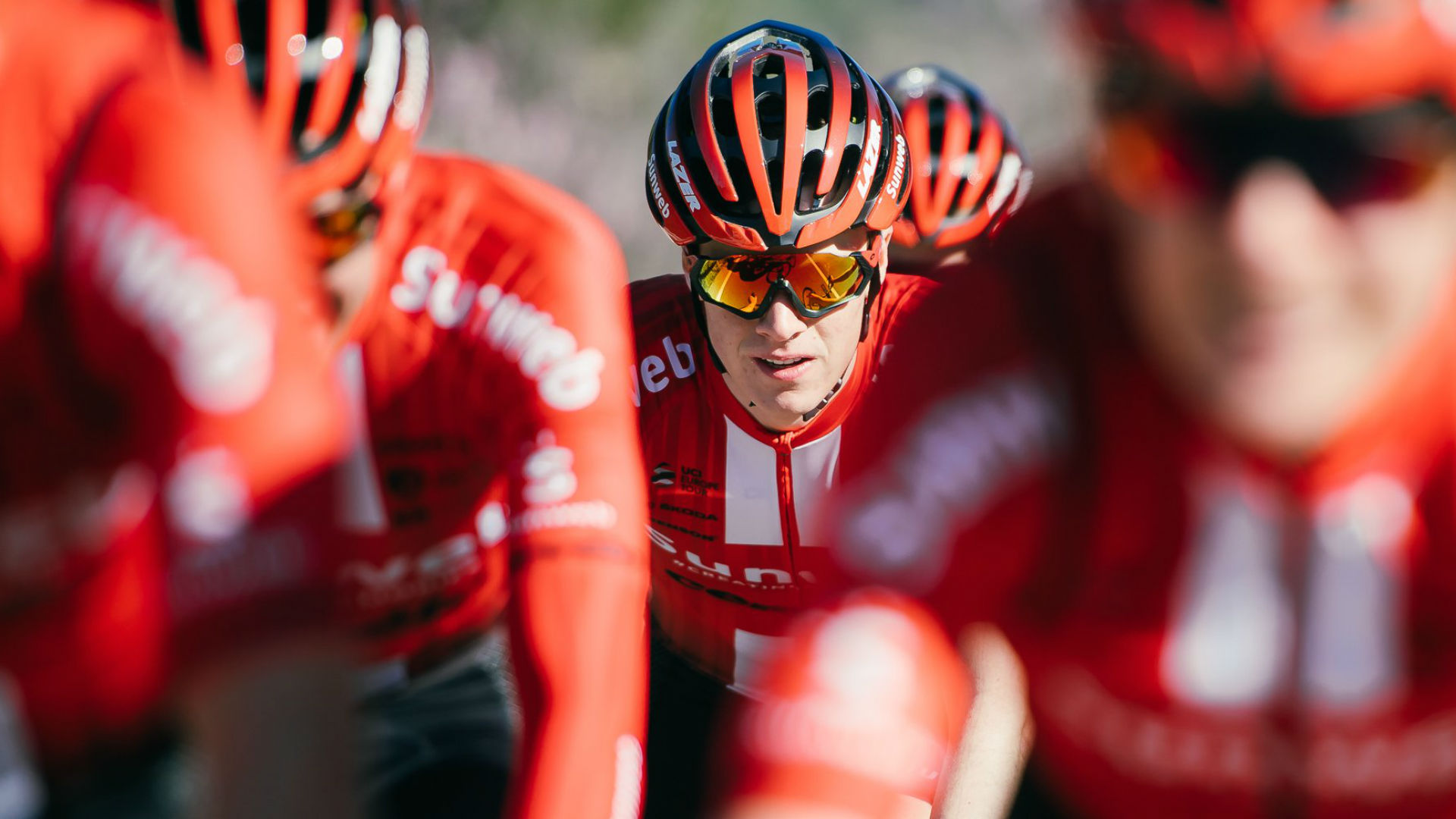 Teenage cyclist Edo Maas has lost the feeling in both legs after fracturing his back on the descent of the Madonna del Ghisallo.
