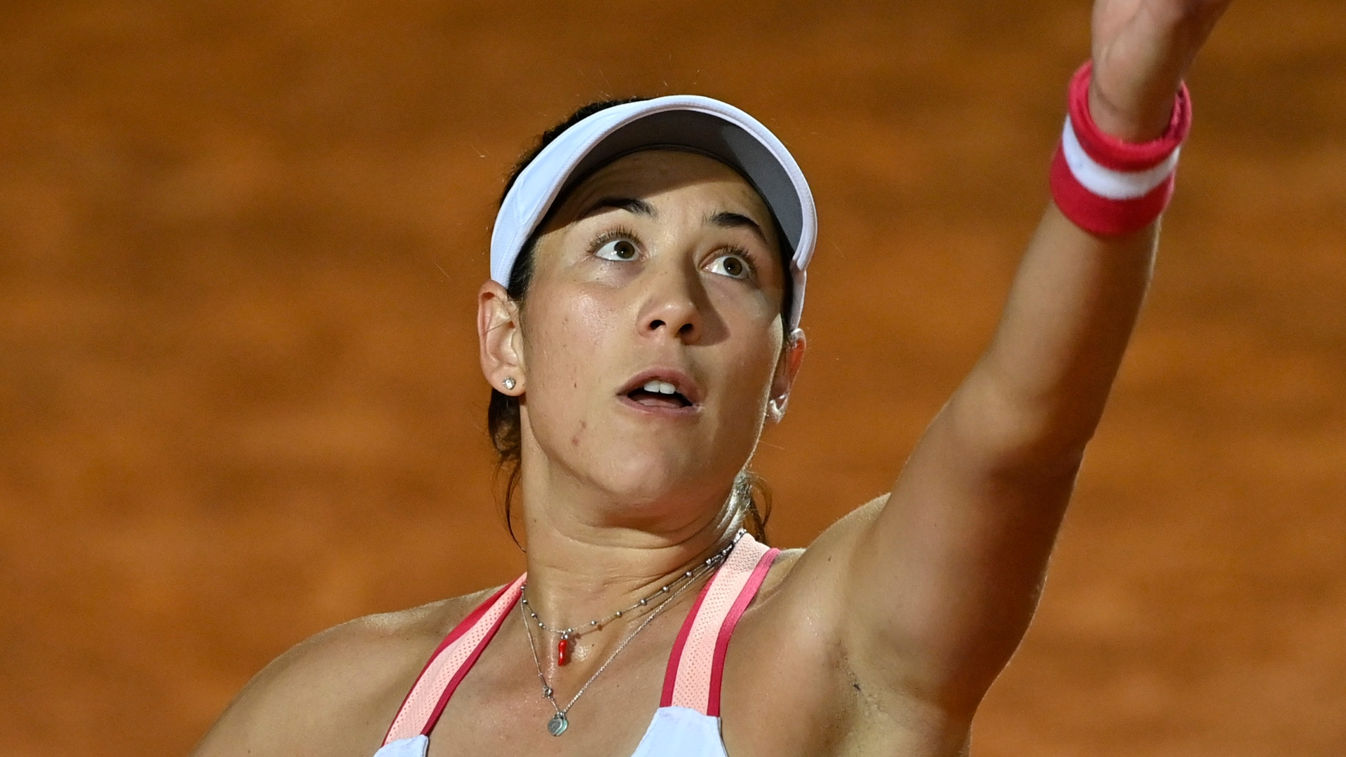 There was a lengthy rain delay during Garbine Muguruza's match with Sloane Stephens, but the Spaniard adapted and overcame.