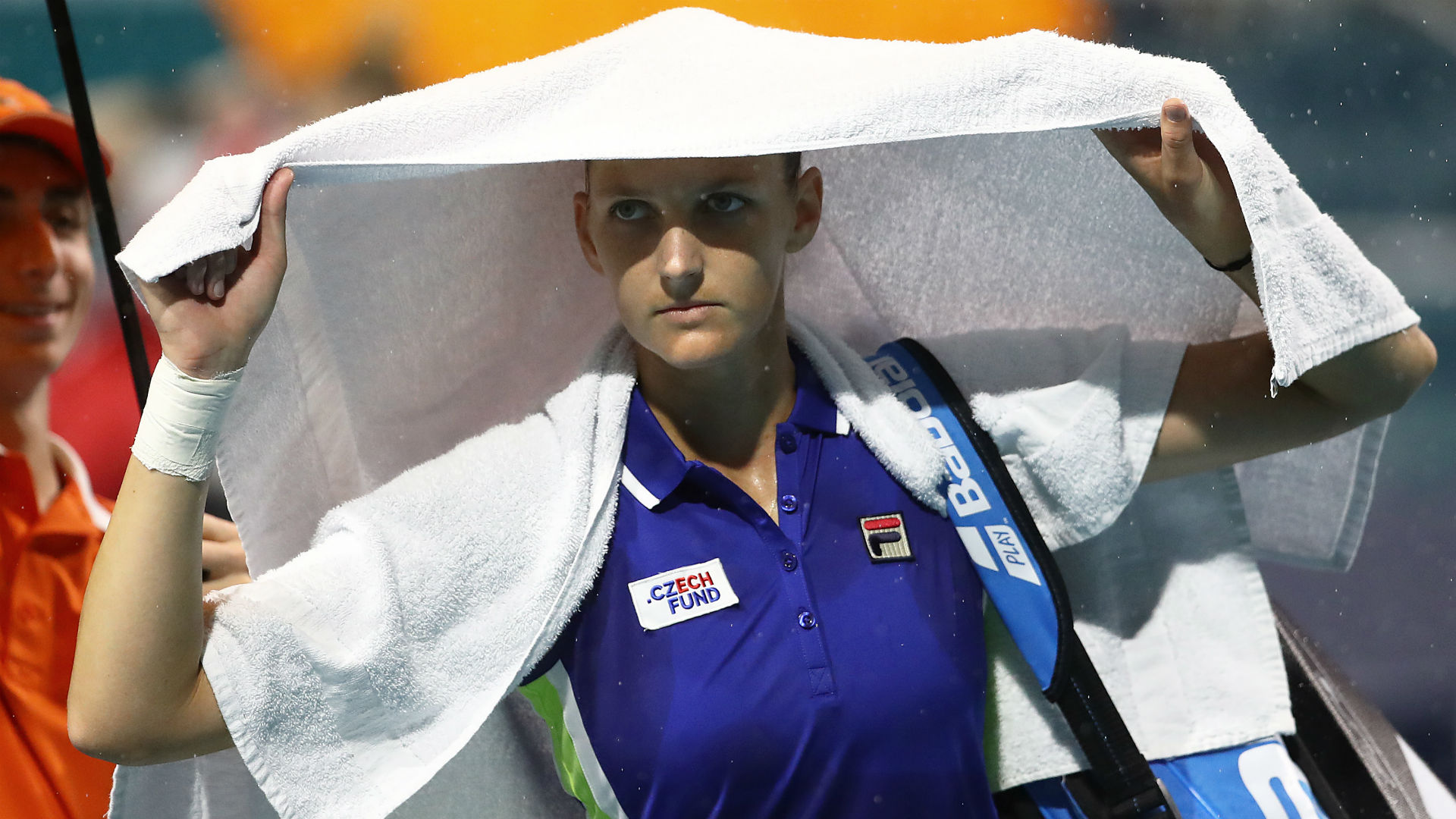 Rain intervened to bring Karolina Pliskova's last-16 clash with Polona Hercog to a halt, with the top-seeded Czech facing a tough battle.