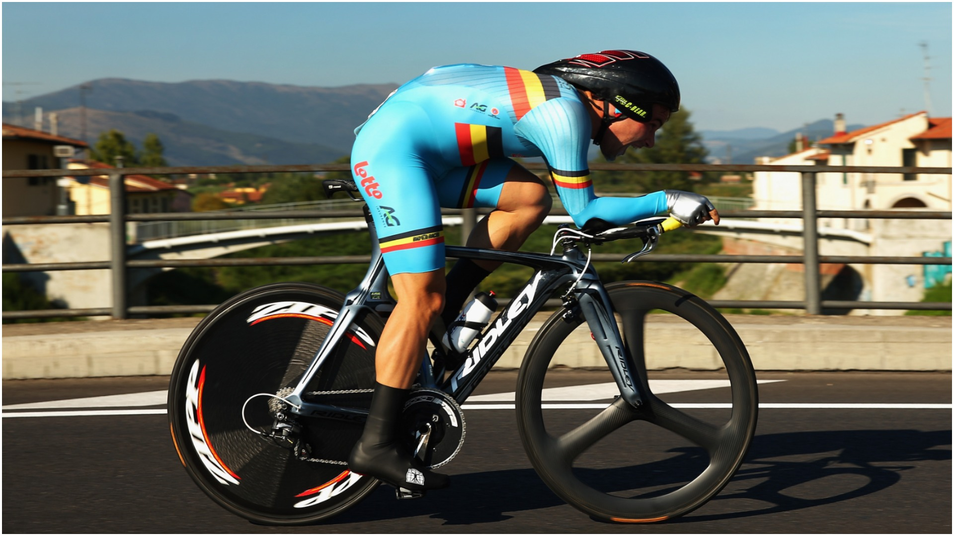 Bradley Wiggins' Hour Record, which had stood for almost four years, has been broken by Victor Campenaerts.