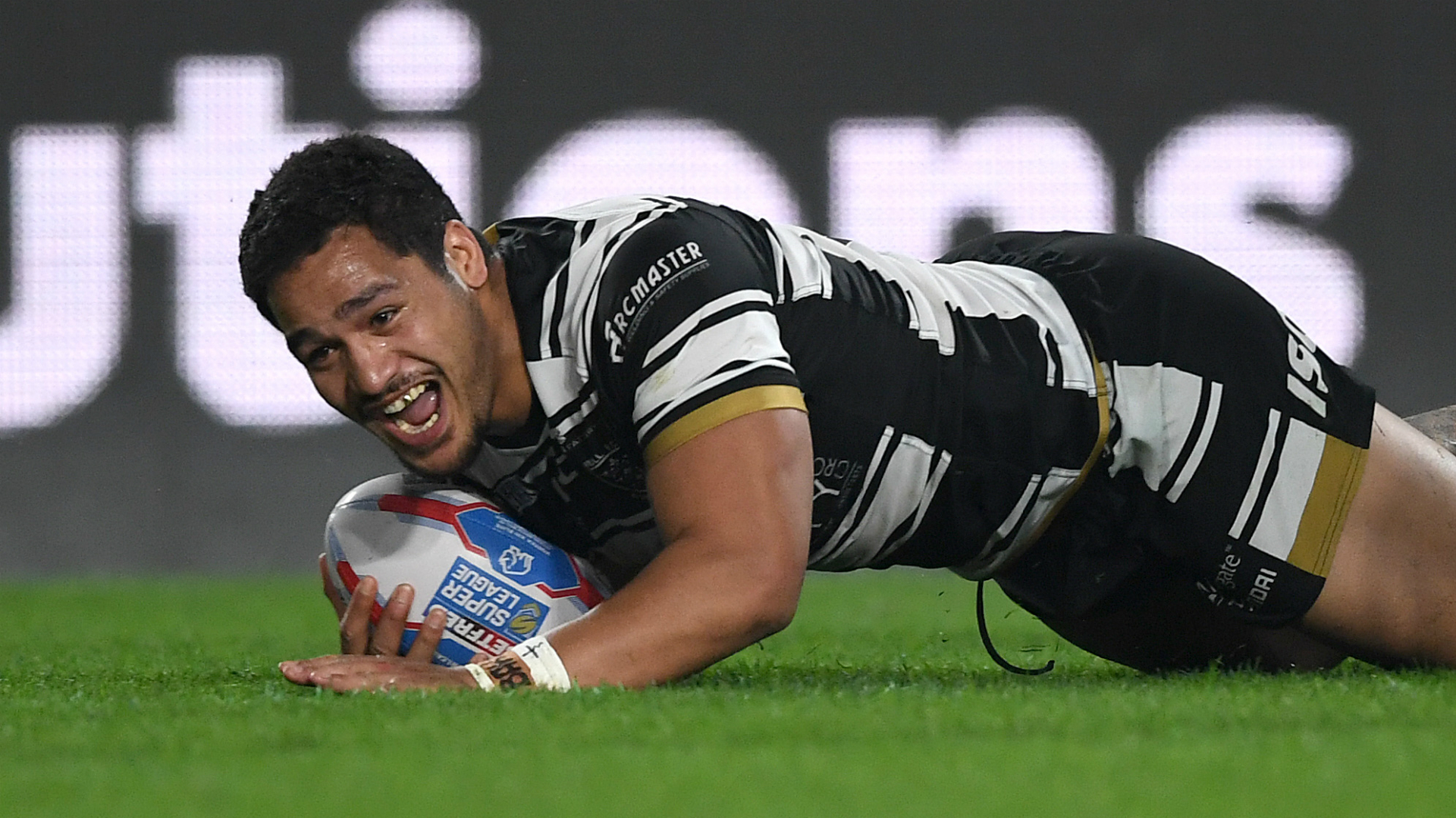 Hull FC surged 34-0 ahead before holding on for a 35-22 victory over Super League's basement dwellers on Thursday.