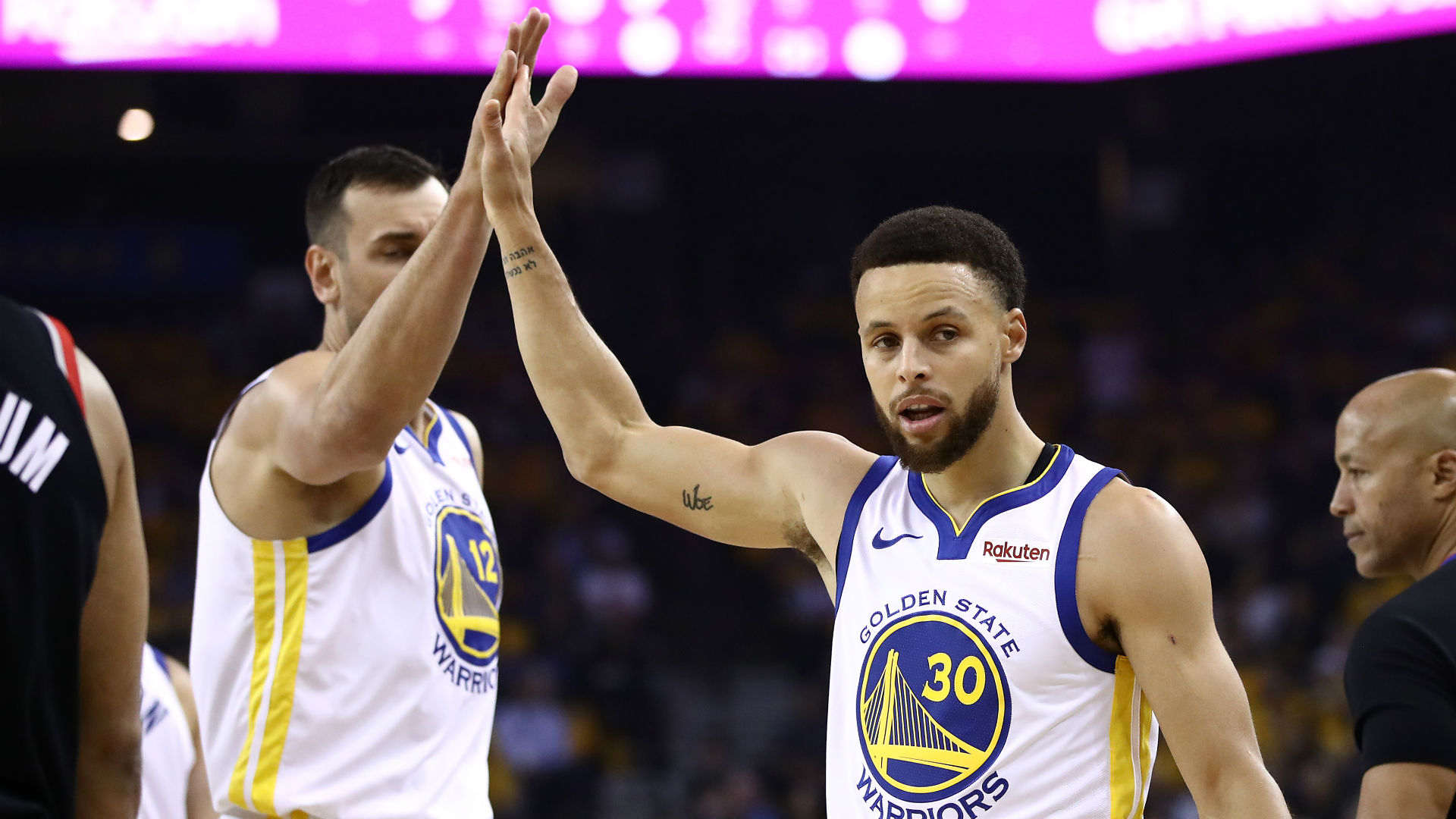 Stephen Curry starred in the Golden State Warriors' win as Portland's leading duo struggled.