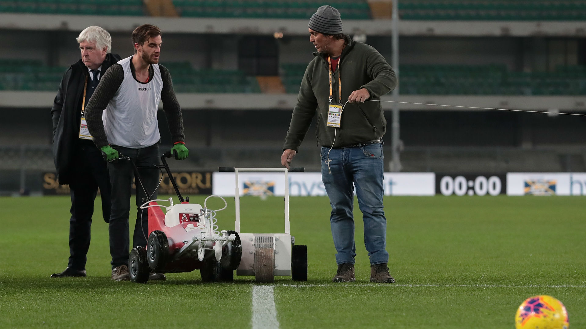 The Serie A clash between Hellas Verona and Genoa was pushed back as groundstaff were called into action for a painting job.