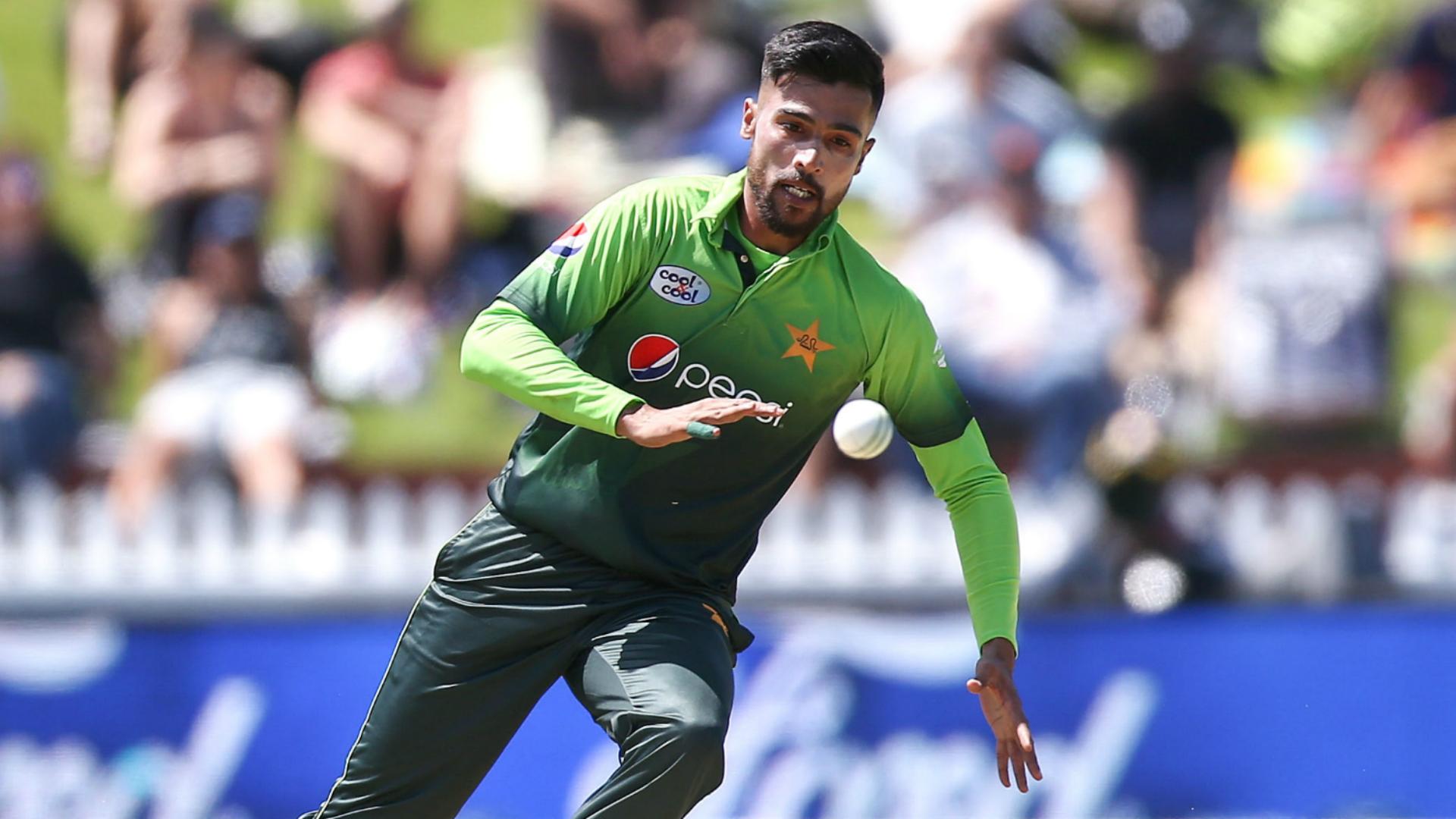 Pakistan omit Amir