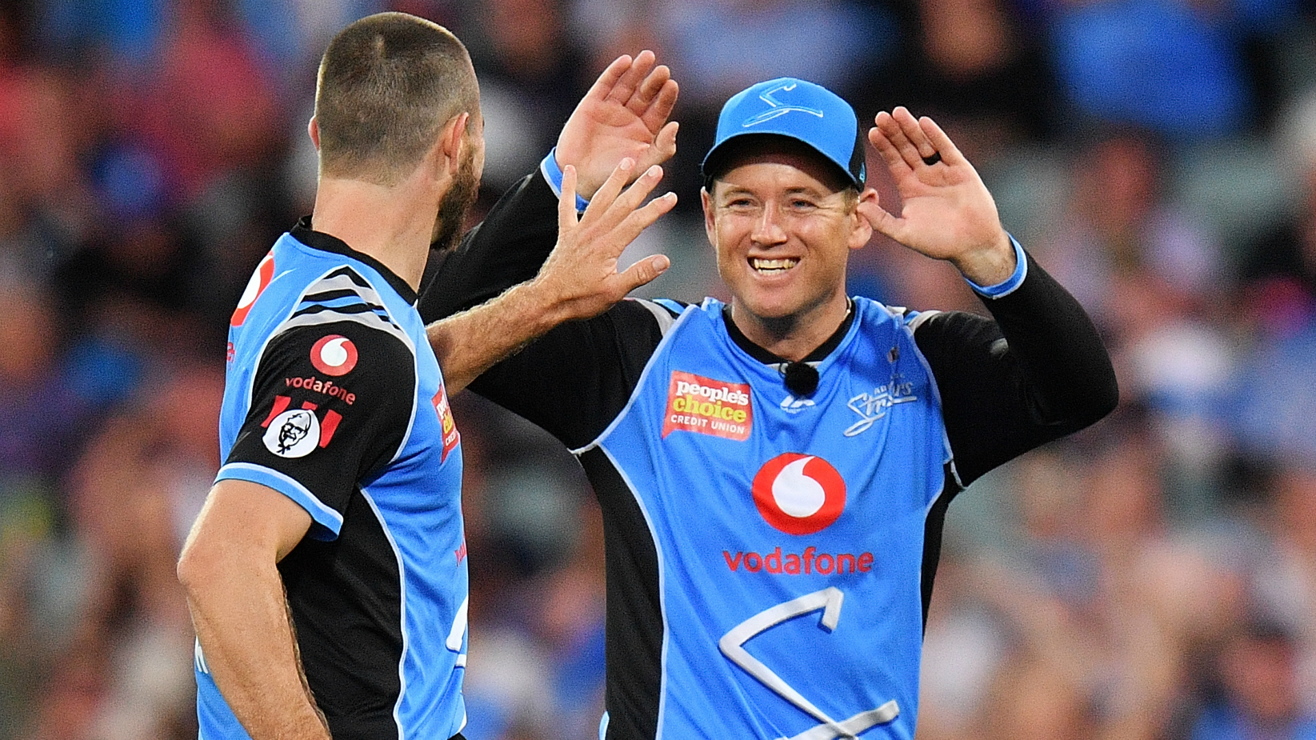 Adelaide Strikers made easy work of Melbourne Stars, the champions' third win in four putting them second in the BBL ladder.