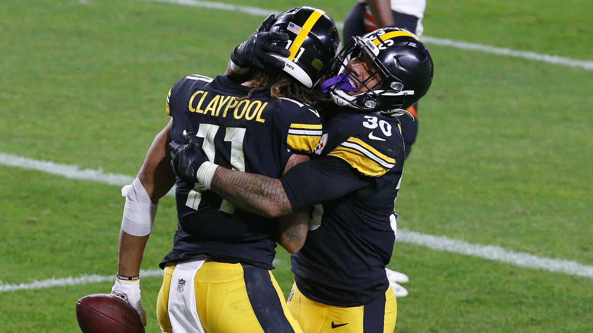 The lone unbeaten team left in the NFL, can the Pittsburgh Steelers go the entire season without losing a game?