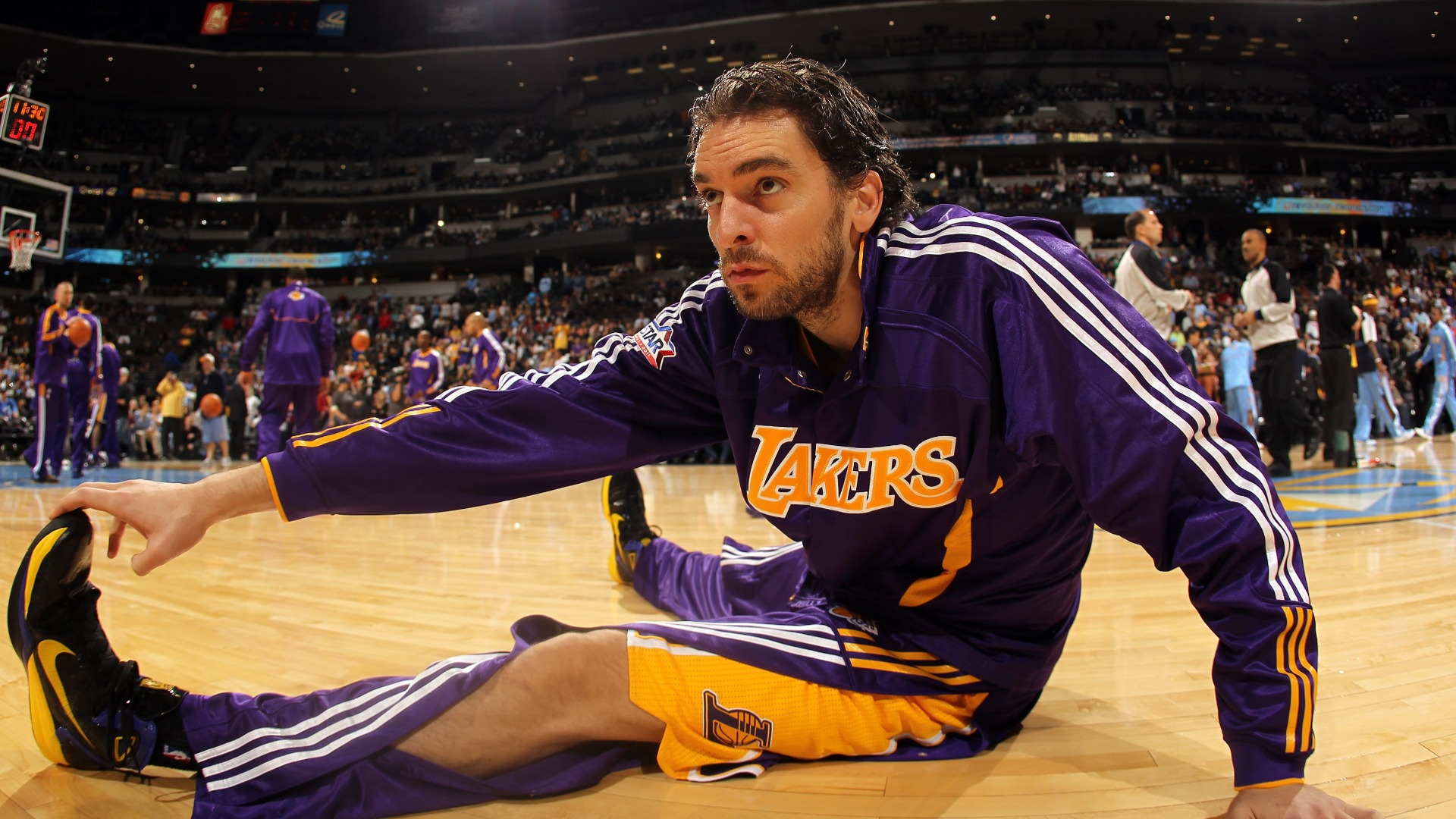 Pau Gasol discussed a return to the Los Angeles Lakers last year but is instead back on another former team in Barcelona.