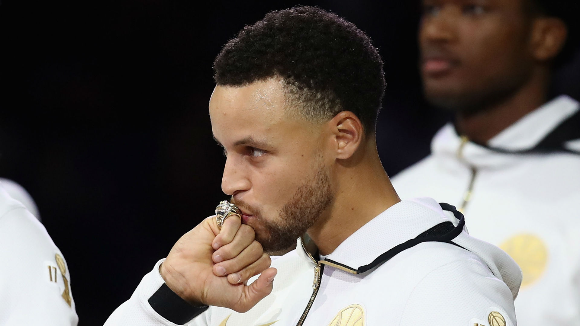 Curry: Slap me if I get bored