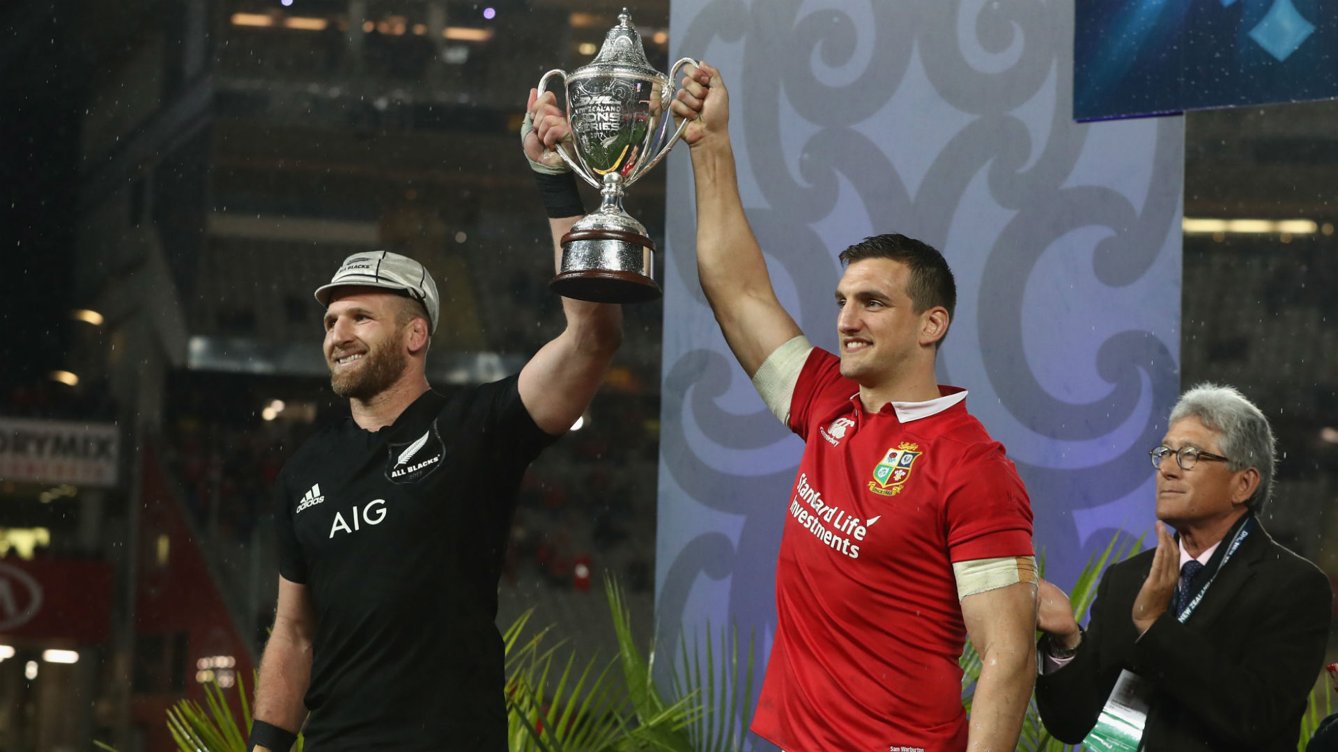New Zealand are determined to beat England to make up for drawing with the British and Irish Lions, says Steve Hansen.
