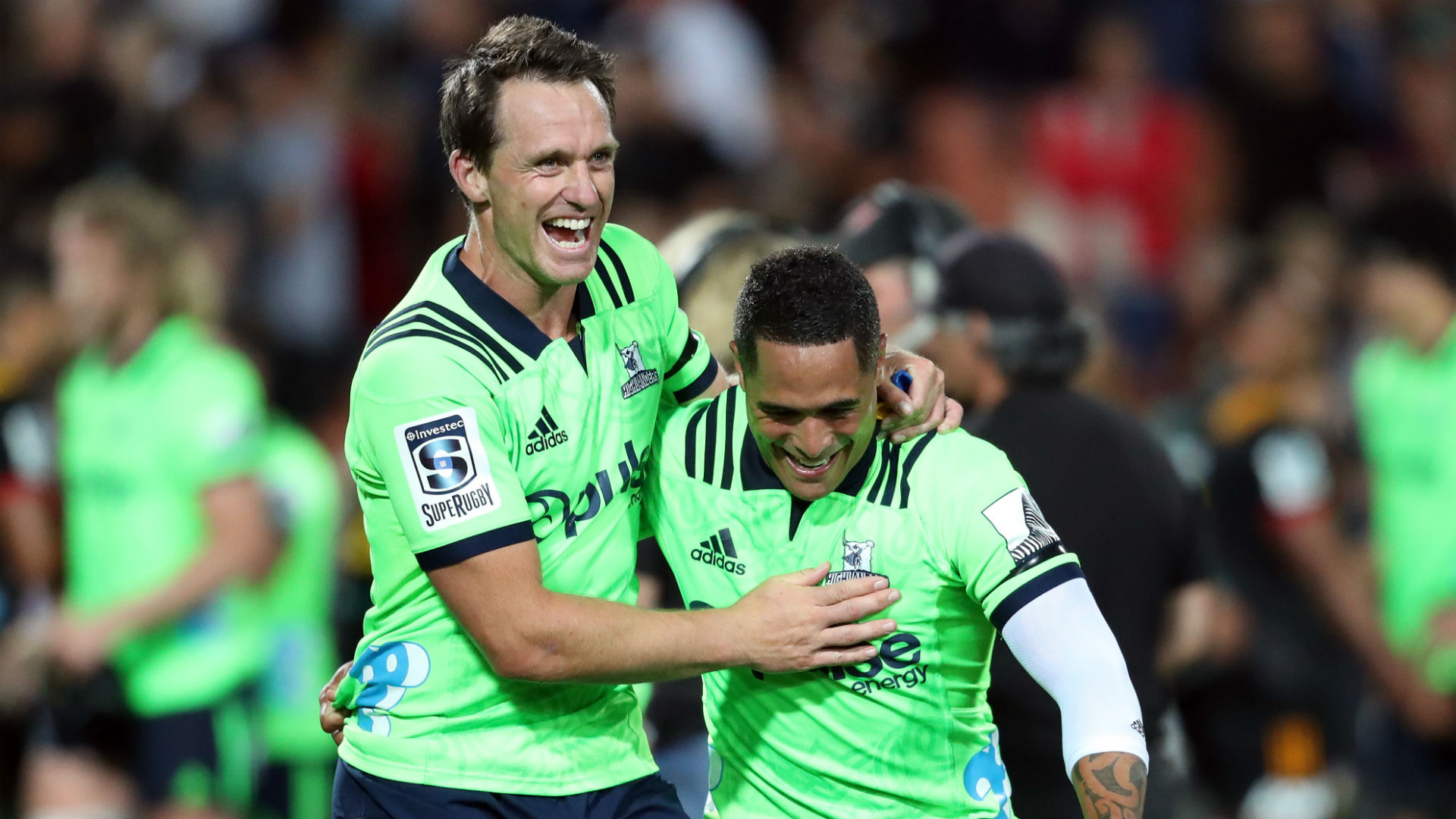 Highlanders beat Chiefs with 14