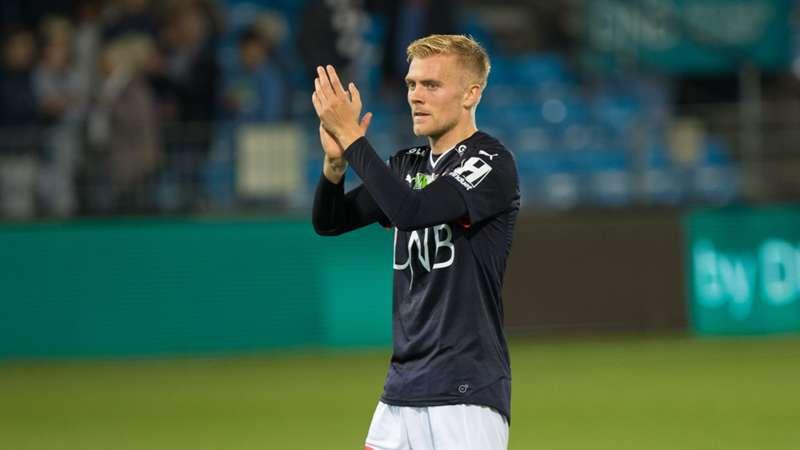 Eirik Ulland Andersen takker publikum