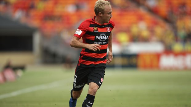 Mitch Nichols has signed with Perth Glory.