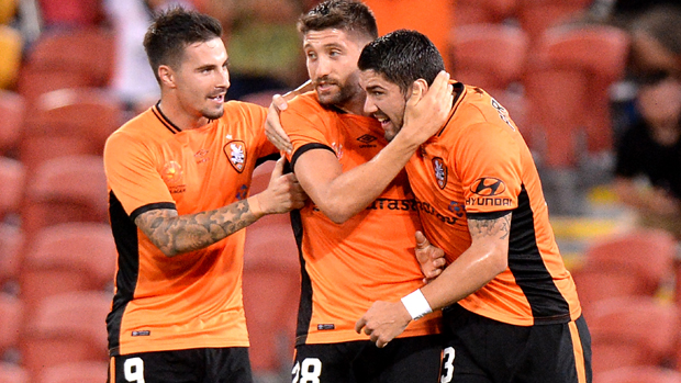 Brisbane Roar moved into third spot with a last-gasp 2-1 win over Western Sydney Wanderers on Saturday night.