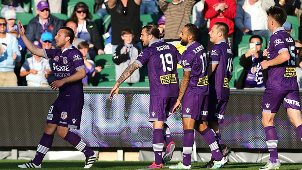Glory players celebrate Nebo Marinkovic's goal in their 2-0 win over Wellington Phoenix.