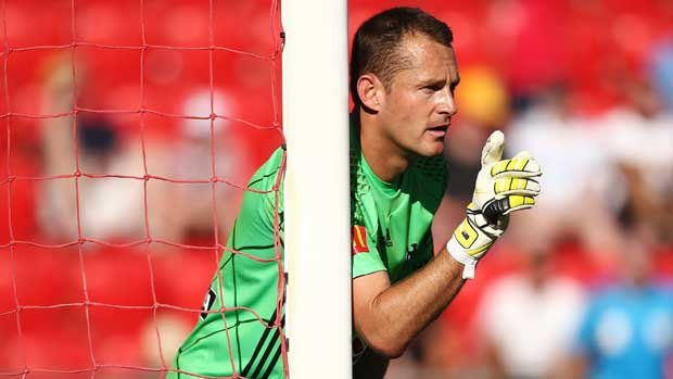 Wellington Phoenix goalkeeper Glen Moss has questioned the commitment of some of his team-mates after the loss to the Wanderers.