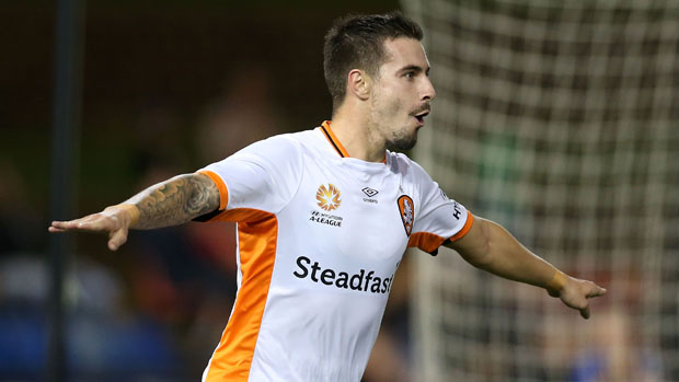 Jamie Maclaren fired a double in Roar's 3-1 win over the Jets.
