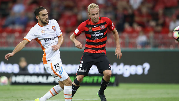 Brisbane Roar's Jack Hingert and Western Sydney's Mitch Nichols battle for the ball back in Round 8.