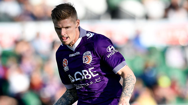 Andy Keogh on the ball during Glory's 2-1 win over Wellington Phoenix.