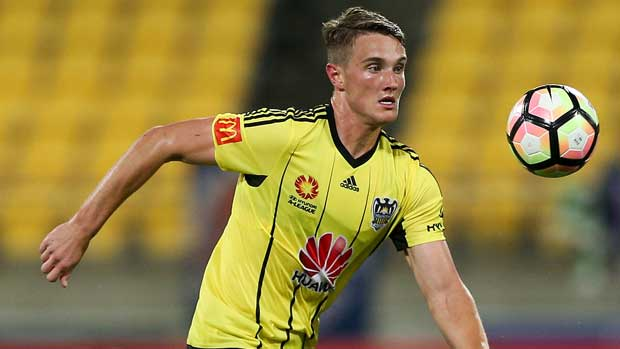 Young Wellington Phoenix defender Dylan Fox is One to Watch in the race for the NAB Young Footballer of the Year award.